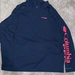 Columbia Omni Shade shirt with hoodie